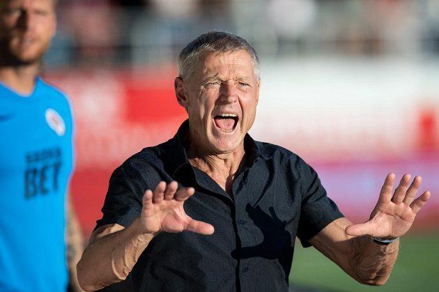 Trenér Sparty Praha Zdeněk Ščasný během utkání v Jablonci.