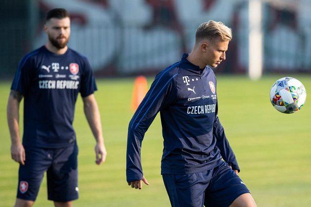 Záložník Antonín Barák během tréninku české fotbalové reprezentace.