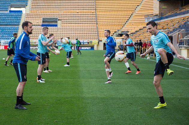 Fotbalisté Sparty Praha Marek Matějovský (vlevo) a David Lafata během tréninku před utkáním Evropské ligy s Villarrealem.
