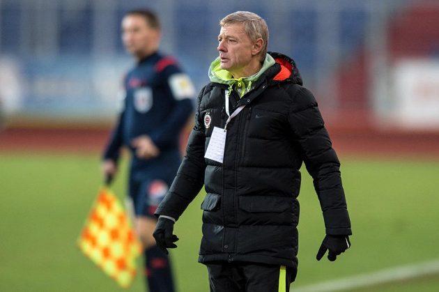 Trenér Sparty Zdeněk Ščasný během utkání v Ostravě.