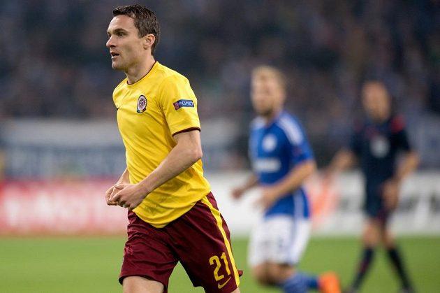 Sparťanský kanonýr David Lafata během utkání proti Schalke.