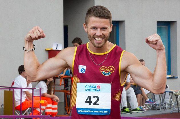 Lukáš Šťastný ovládl v Ostravě závod na 200 metrů.