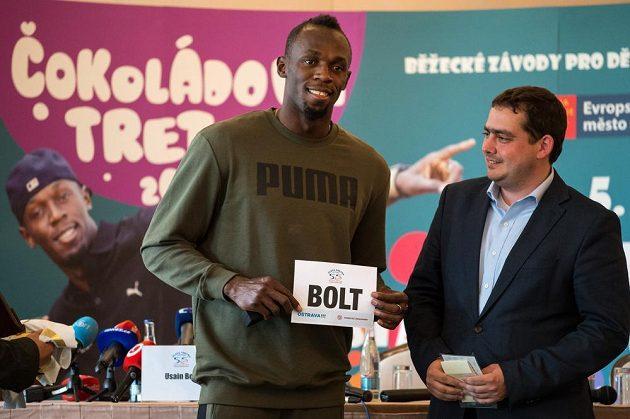 Jamajský sprinter Usain Bolt během tiskové konference dv Praze.