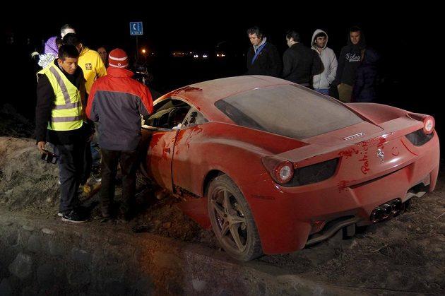 Nabourané Ferrari Artura Vidala už nemá původní hodnotu 3,8 miliónů korun.