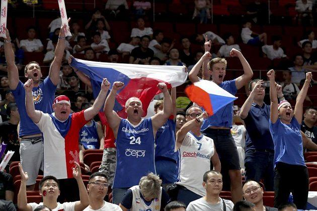 Fanoušci českých basketbalistů během utkání mistrovství světa.