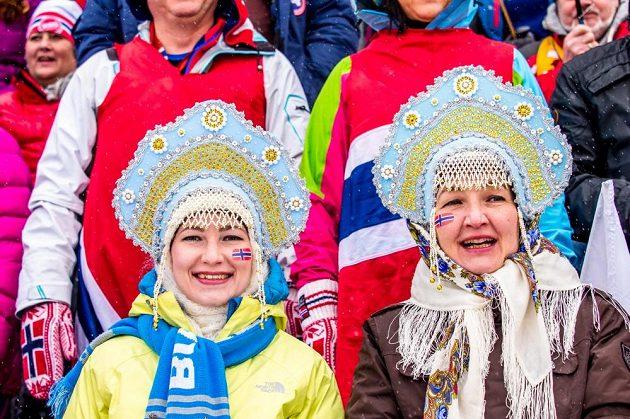 Norské fanynky na mistrovství světa v biatlonu v Oslu.