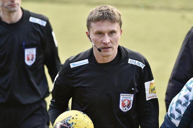 Rozhodčí Petr Hocek po utkání.