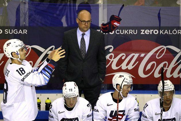 Hlavní trenér hokejistů USA Jeff Blashill na střídačce během utkání MS se Slovenskem.