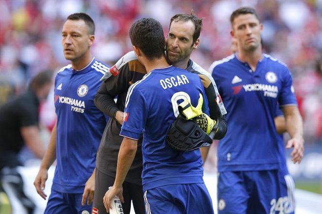 Brankář Arsenalu Petr Čech se bál, že na něj Oscar vymyslí kulišárnu. Nakonec jeho střelecký pokus zlikvidoval.