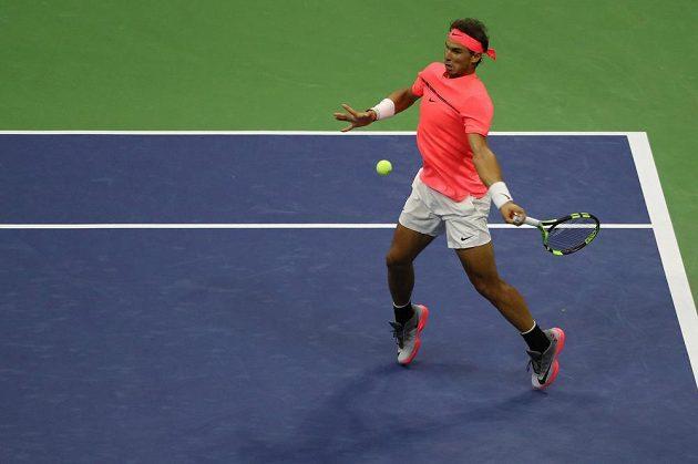 Rafael Nadal (na snímku) v utkání s Leonardem Mayerem.