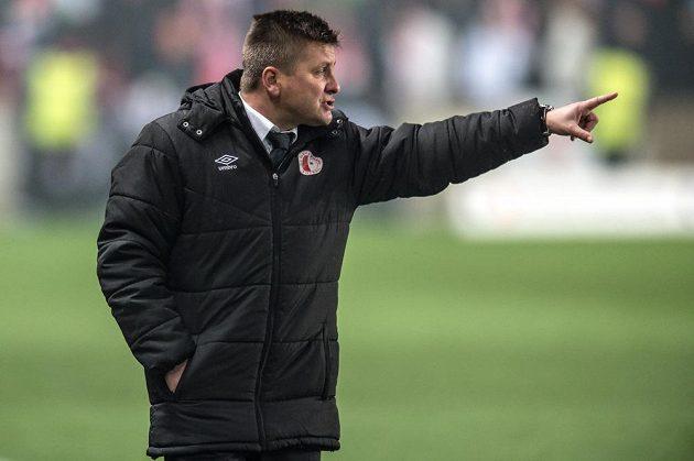 Trenér Slavie Praha Dušan Uhrin během utkání s Baníkem Ostrava.