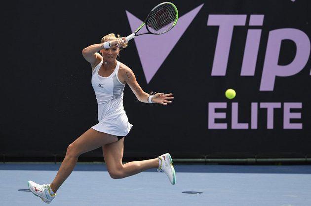 Tereza Martincová v utkání proti Belindě Bencicové ze Švýcarska.