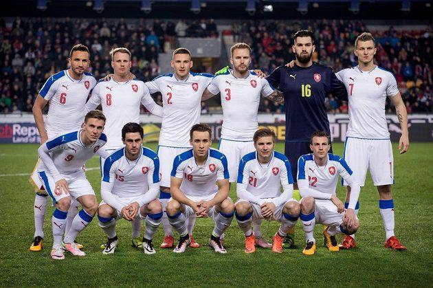 Česká reprezentace před přípravným utkáním se Skotskem.