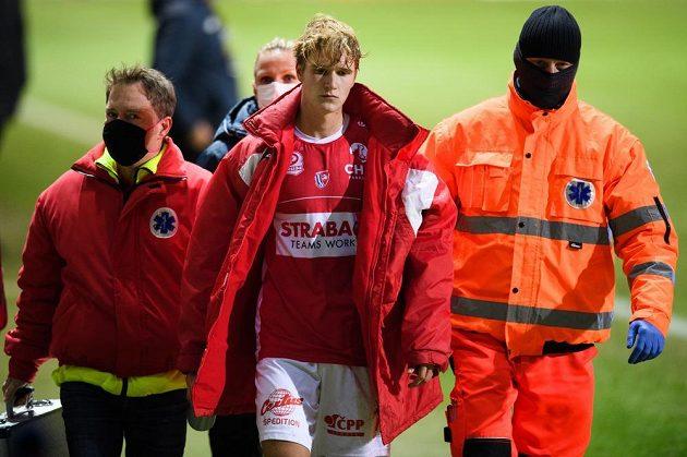 Zraněný Emil Tischler