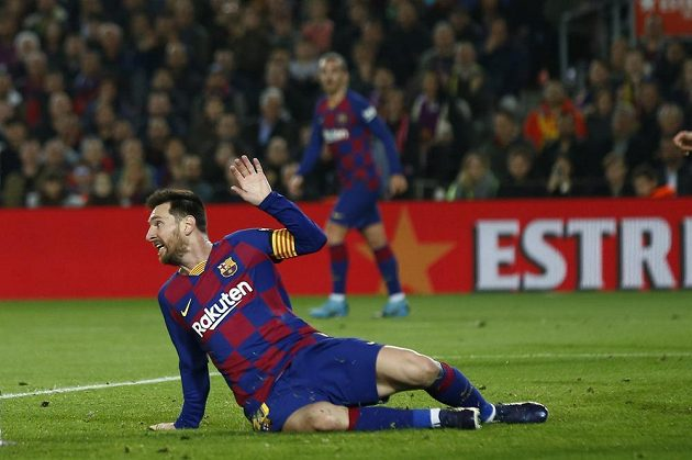 Barcelonský Lionel Messi během duelu s Realem Madrid.