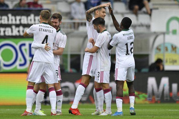 Radost fotbalistů Celtiku po druhém vstřeleném gólu v Jablonci v utkání 3. předkola Evropské ligy.