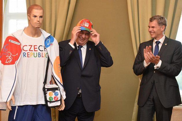 Prezident Miloš Zeman přijal v Praze předsedu Českého olympijského výboru Jiřího Kejvala.