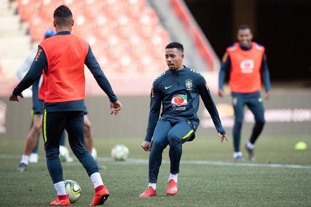Gabriel Jesus během tréninku národního týmu Brazílie před přátelským utkáním s Českou republikou.