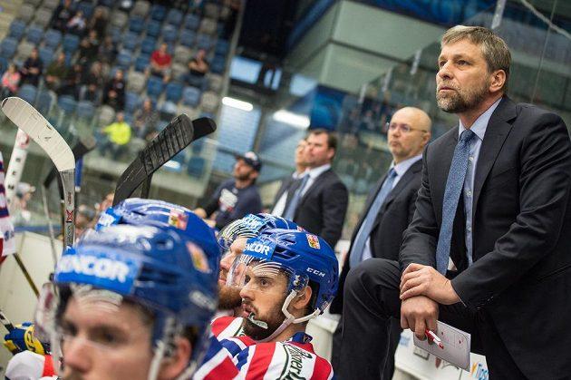 Trenér Josef Jandač na střídačce českého týmu v přípravě proti Norsku.