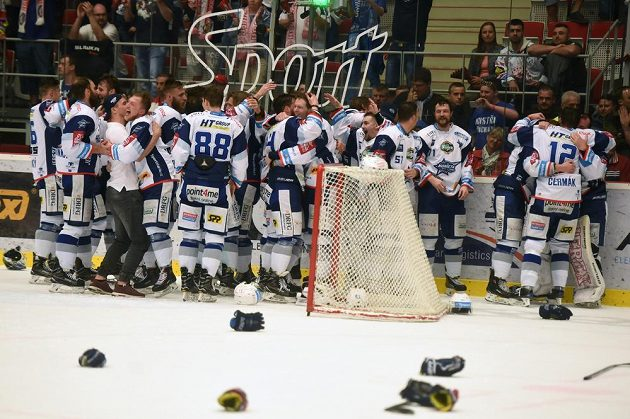 Je dobojováno. Hokejisté Brna obhájili mistrovský titul, Třinec ve finále porazili 4:1 na zápasy.