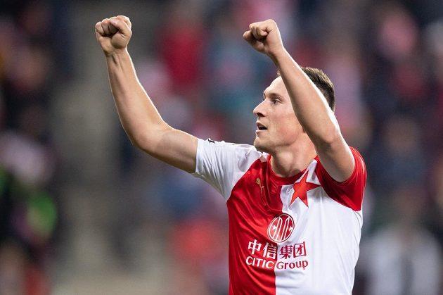 Jan Bořil ze Slavie Praha oslavuje gól proti Liberci.