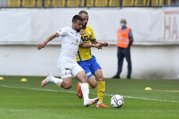 Fotbalisté Teplic bojují o ligové body se Slováckem.