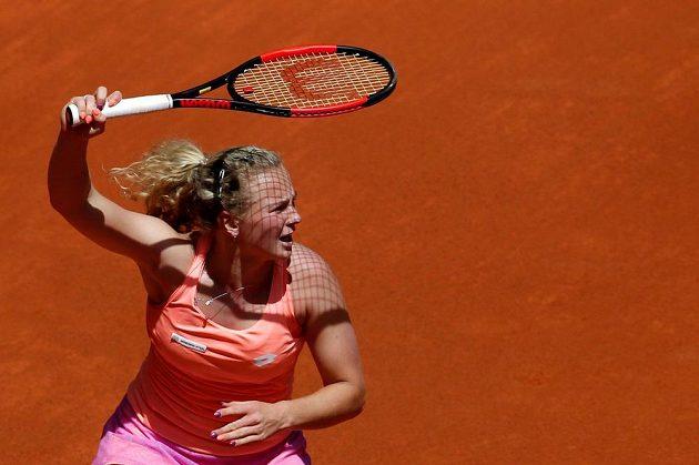 Česká tenistka Kateřina Siniaková v Madridu statečně vzdorovala Němce Angelique Kerberová a prohrála až po boji 1:2 na sety.