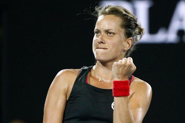 Radostné gesto Barbory Strýcové v osmifinále Australian Open.