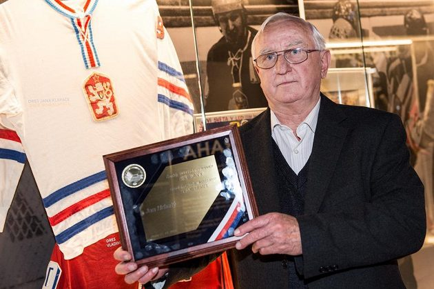 Bývalý útočník Jan Hrbatý byl ve čtvrtek uveden do Síně slávy českého hokeje.