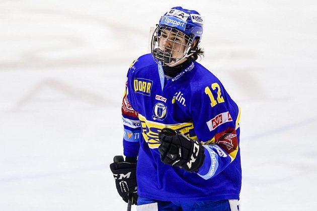 Filip Chytil ze Zlína oslavuje svůj gól proti Pardubicím.