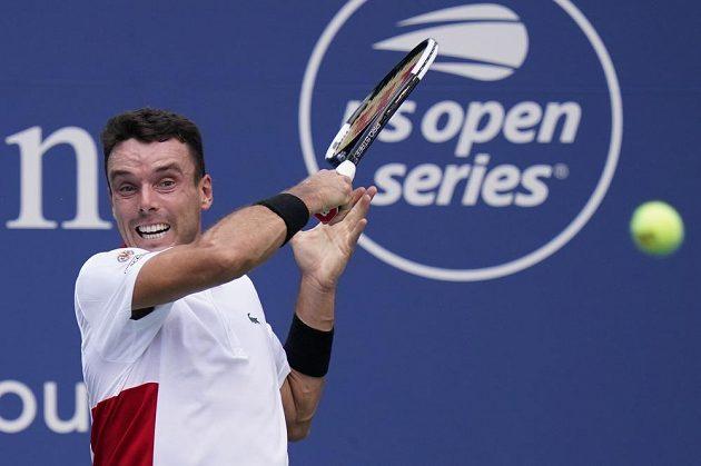 Španělský tenista Roberto Bautista Agut v utkání s Novakem Djokovičem.