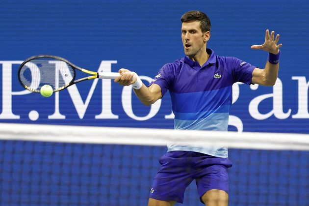 Světová jednička - Srb Novak Djokovič - v akci během US Open.