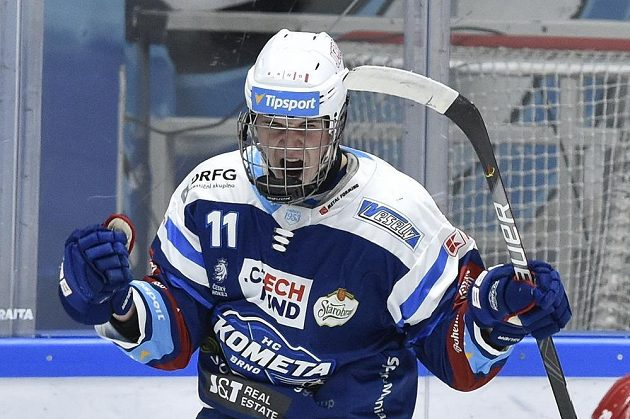 Stanislav Svozil z Brna se raduje z gólu.