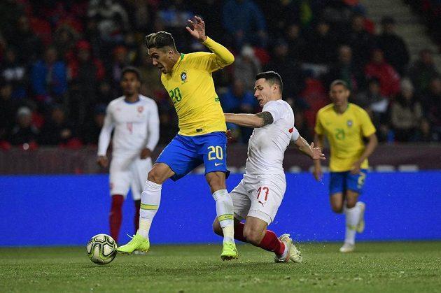 Zleva Roberto Firmino z Brazílie a Marek Suchý.