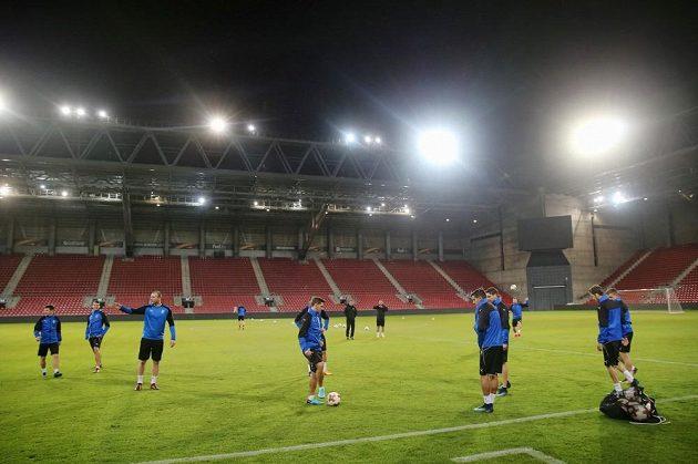 Trénink fotbalistů Plzně v Beer Ševě před utkáním Evropské ligy.