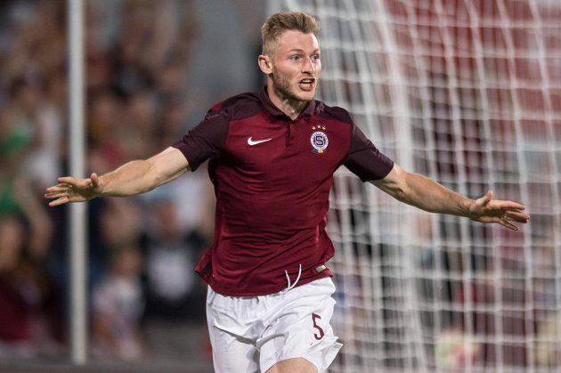 Jakub Brabec oslavuje gól na 3:2 proti Sönderjyske.