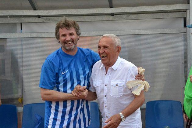 Jiří Běleš (vlevo) a tehdejší předseda klubu TJ Vítkovice Dalibor Rataj.