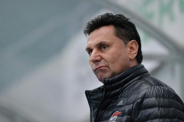 Vladimír Růžička se stal prvním trenérem, který nasbíral tisíc zápasů v hokejové extralize.
