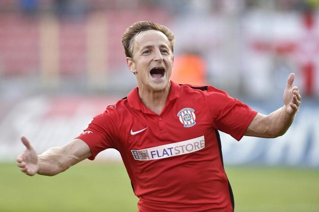 Alois Hyčka z Brna se raduje z gólu proti Spartě.