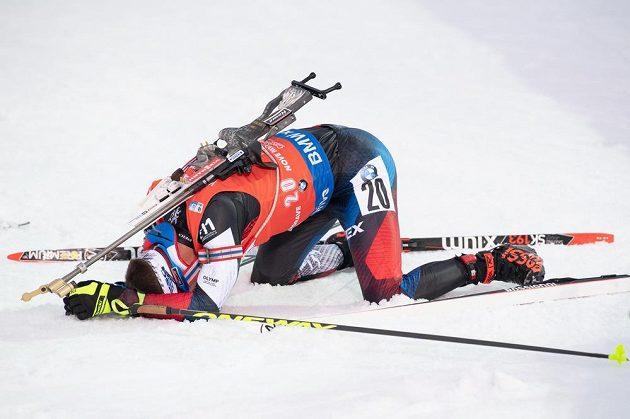 Michal Krčmář v cíli stíhacího závodu v rámci Světového poháru v biatlonu v Novém Městě na Moravě.