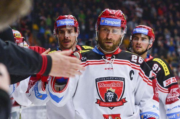 Zleva Jiří Šimánek, Jaroslav Bednář a Tomáš Knotek z Hradce Králové se radují z gólu.