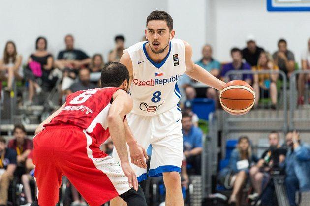 Tomáš Satoranský během přípravného utkání s Tuniskem.