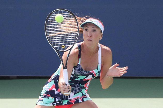 Srbka Jelena Jankovičová při utkání prvního kola US Open s Petrou Kvitovou.