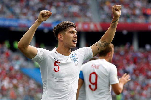 Anglický reprezentant John Stones slaví gól proti Panamě.