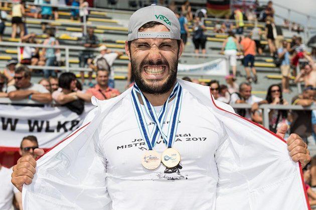 Mistr světa v kategorii K1 na 500 m Josef Dostál.