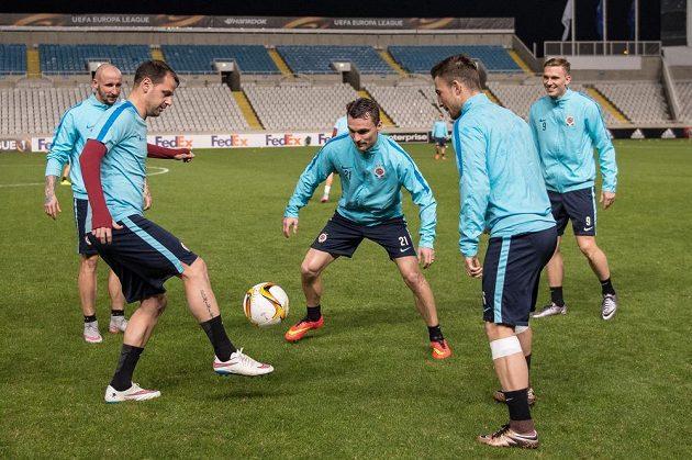 Fotbalisté Sparty během tréninku v kyperské Nikósii.