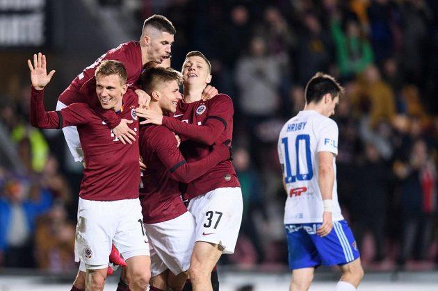 Sparta slaví gól ve čtvrtfinále Mol Cupu proti Baníku Ostrava