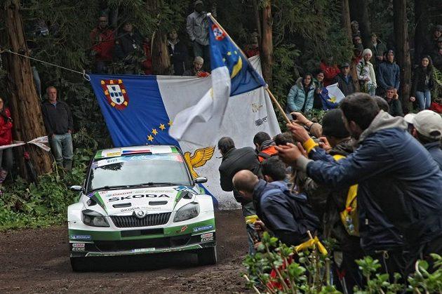 Jan Kopecký se Škodou Fabia S2000 na trati Rallye Azory 2013.