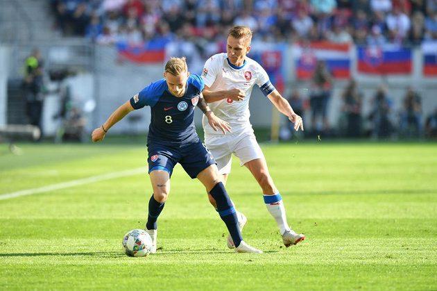 Bořek Dočkal plnil v zápase se Slovenskem roli kapitána