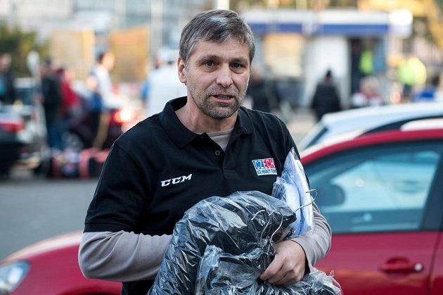 Asistent reprezentačního kouče Josef Jandač na srazu před turnajem Karjala.